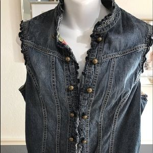 Bandolino sleeveless  jean jacket ruffle trim